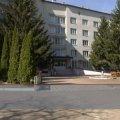 Жінку, яка випала з вікна пансіонату для літніх людей у Бердичеві, влаштували до закладу обманом. ВІДЕО