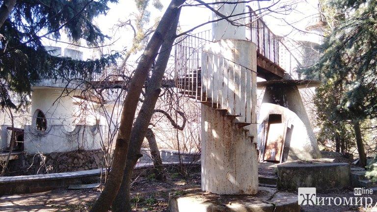 Як зараз виглядає один з найкрасивіших колишніх дитячих садків Житомира. ФОТО