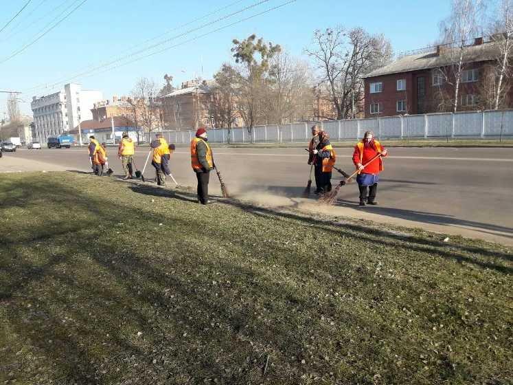 В Житомирі тривають роботи по весняному благоустрою та санітарному прибиранню міста
