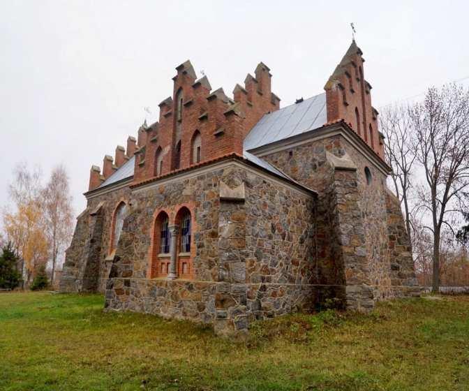 На Житомирщині знаходиться єдиний в Україні неоготичний храм. ФОТО