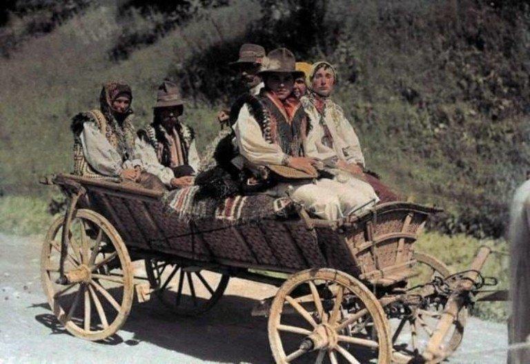 Як жили українці 100 років тому: Унікальні старовинні фото