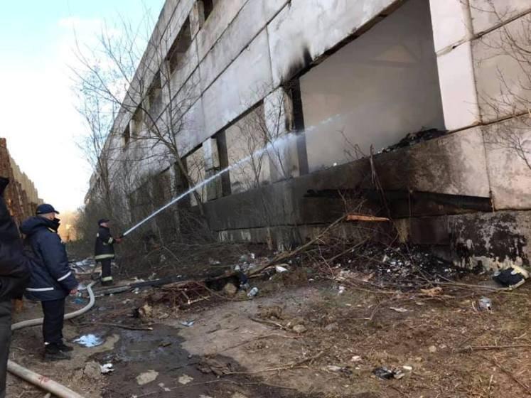 Проблему зі сміттям в Тереховому на Бердичівщині вирішили… вогнем