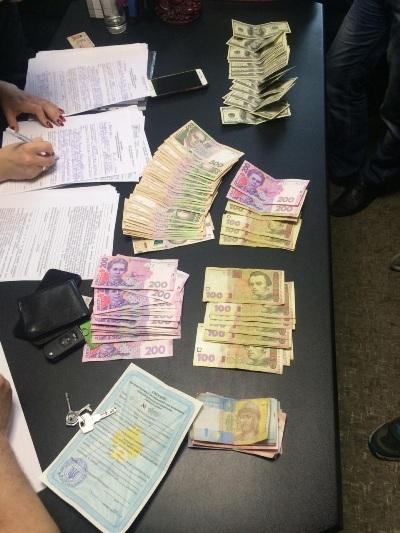 СБУ викрила на хабарі у вісімдесят тисяч гривень посадовця Житомирської міської ради