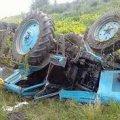 46-річний житель Житомирщини на саморобному тракторі перекинувся у кювет