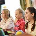 У Житомирі понад 80 дітей робили витинанки