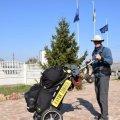 Голландець, що пішки мандрує країнами, відвідав Олевськ