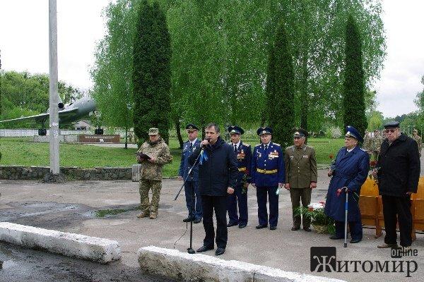 """Віктор Развадовський: """" Низько вклоняюся кожному фронтовикові-герою за вірну службу Українському народу"""""""