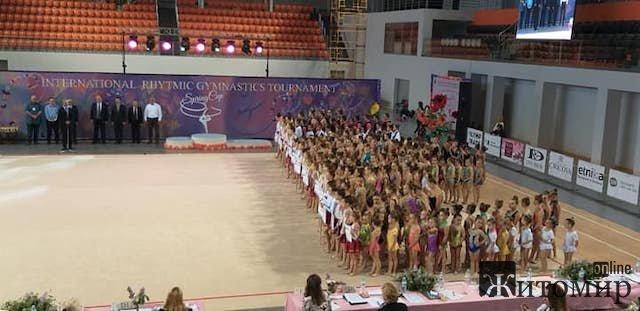 Юні житомирські гімнастки знову везуть зі змагань медалі. ФОТО