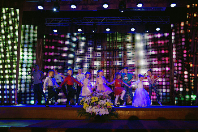 """Танцювальний колектив """"Юність"""" приємно вразив святкуванням свого 30-річчя"""