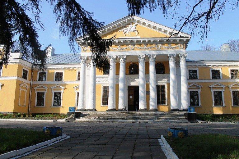 Мандруємо Житомирщиною: завітайте в маєток Ганських та садибу Карницьких. ФОТО