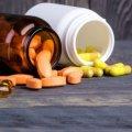 Дослідження показали, що більшість людей п'є вітаміни дарма