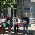 Батьки невакцинованих дітей заявляють про наявність дистанційної форми навчання лише у двох школах Житомира (ВІДЕО)
