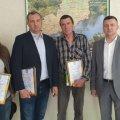 Екологи відзначили подяками громадян, які поблизу Житомира врятували лося