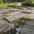 На території школи у Новограді небезпечно. ФОТО