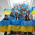 Житомирські школи отримали прапори з побажаннями військових