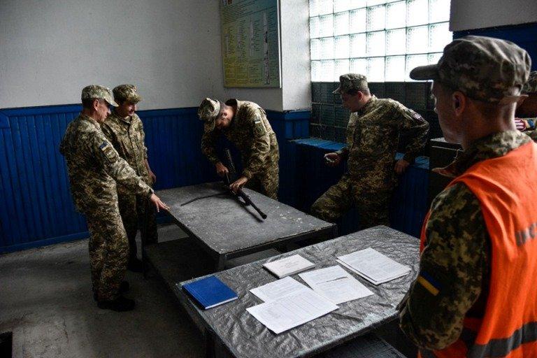 На Житомирщині триває підготовка курсантів-танкістів Десантно-штурмових військ та Морської піхоти ЗС України