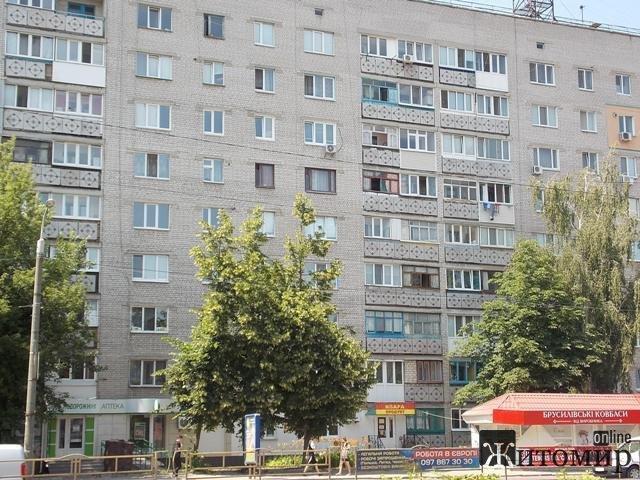 Упавший с 9 этажа маленький бердичевлянин Илюша Ратушный идет на поправку. ФОТО