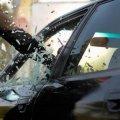 У центрі Житомира ледь не пограбували автівку. ФОТО