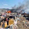 У Новограді-Волинському п'ятий день горить сміттєзвалище - люди страждають від диму та смороду. ФОТО