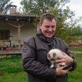 """""""Сік"""" із хробаків: у Коростишівському районі фермер успішно розвиває незвичний бізнес. ВІДЕО"""