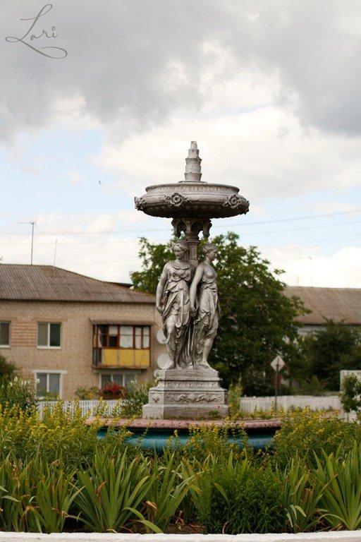 Чудесная скульптурная композиция изготовлена в Париже по заказу Терещенка. ФОТО