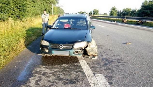 Уночі в Новоград-Волинському районі два «Опелі» по черзі протаранили воза, що розвертався: троє людей загинули. ФОТО