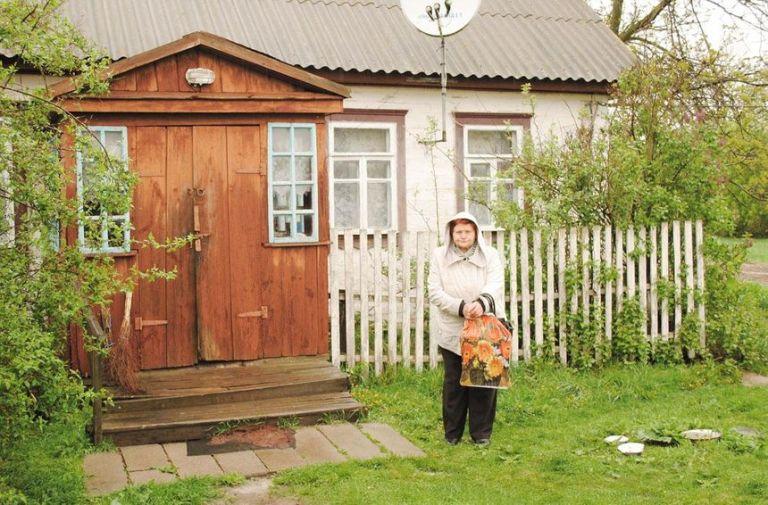Чеське село в Україні: працювати ніде, транспорт курсує зрідка. Що стримує місцевих від еміграції?
