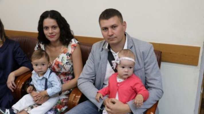 Житомирська родина отримала пільговий молодіжний кредит на придбання 2-кімнатної квартири