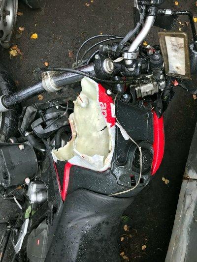 BMW летел по встречке: искалеченный мотоциклист вынужден доказывать, что не виноват в аварии (фото)