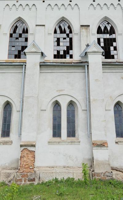Старий храм на Житомирщині вражає своєю величчю та красою. ФОТО