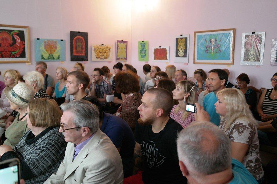 У Житомирі відбувся вечір пам'яті письменника В'ячеслава Шнайдера