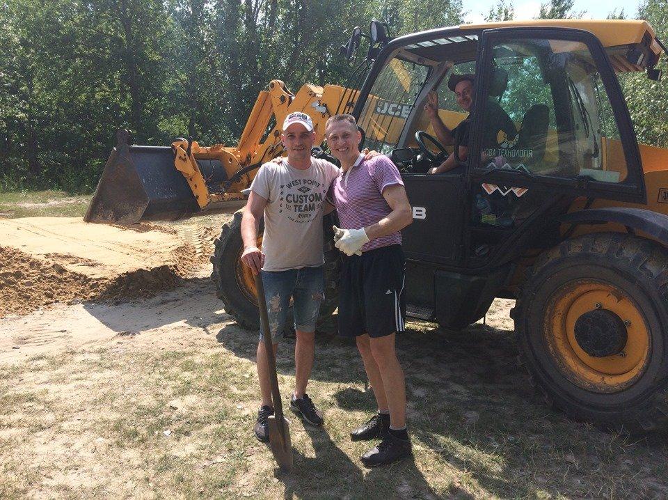 Як в Житомирі волонтери приводили до ладу територію біля Соколовського кар'єру