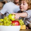 Як заохотити дитину до здорового харчування