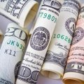 Доллар и евро теряют позиции: обновлен официальный курс