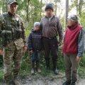 На Житомирщине пограничники нашли заблудившегося в лесу ребенка.ФОТО