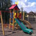 У дворах житомирських багатоповерхівок встановлять 9 нових дитячих майданчиків. Перелік адрес
