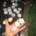 На Рівненщині випав град завбільшки з куряче яйце