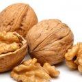 Врачи рассказали, кому нельзя есть орехи