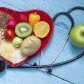 Яким чином знизити рівень холестерину в крові?