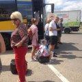 На Житомирщині в рейсових автобусах двері тримають шнурі, а в салонах люди задихаються від диму. ФОТО
