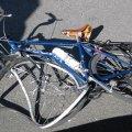 У Радомишльському районі велосипедист не розминувся з іномаркою