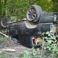 На Житомирщині автівка злетіла у кювет та перевернулася