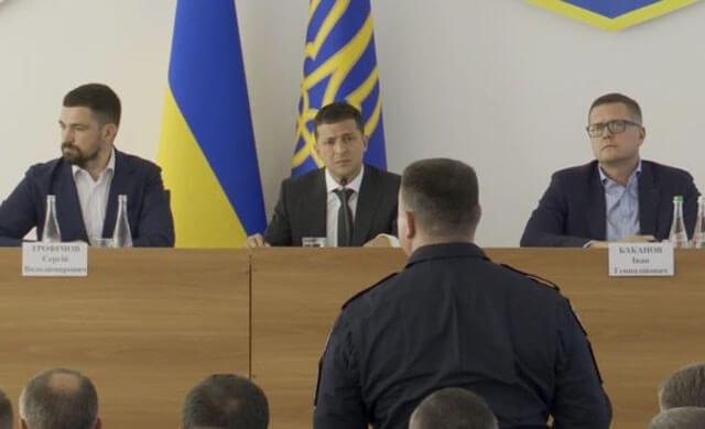 Я вам не верю, прошу уволить! Зеленский устроил разнос, появилось видео скандальной перепалки в Олевске. ВИДЕО