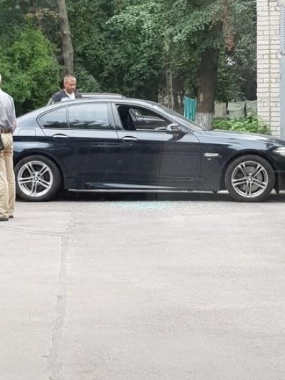 У центрі Житомира знову розбили скло в автівці. ФОТО