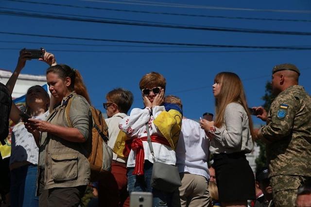 Драка у Главпочтамта и устрицы по 95 гривен: что осталось за кадром Дня Независимости