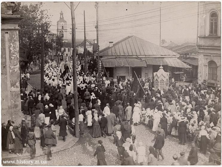 Бердичів - урочиста хода в честь зустрічі польської армії (1920 р.). ФОТО