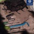 Патрульні затримали чоловіка, який уночі намагався обікрасти обмінник валют на Житньому ринку в Житомирі