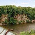 """Скеля """"Чотири брати"""" - геологічна пам'ятка природи, яка височіє над річкою Тетерів на околоці Житомира. ФОТО"""