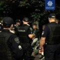 """В Житомирі інспектори роти ТОР вкотре намагалися навести порядок на найдовшій """"барній стійці"""" міста"""