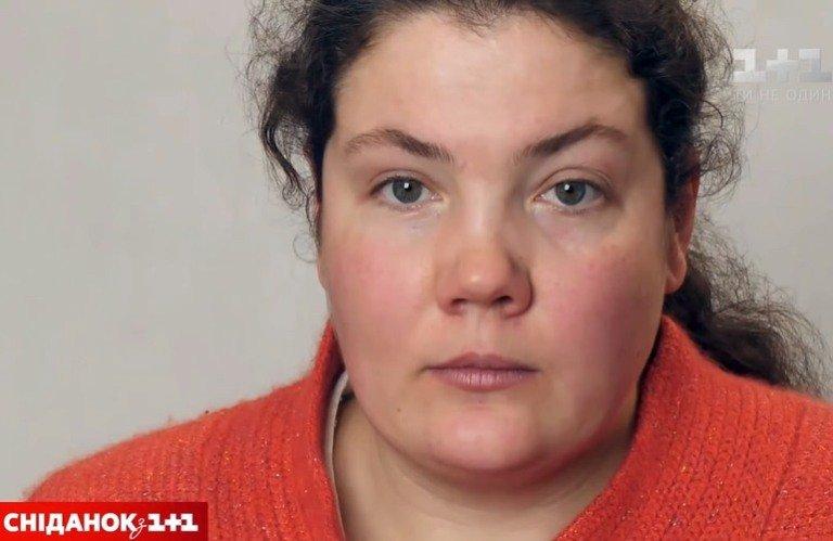 Дівчина з Житомирщини яка страждає на шизофренію вразила столичних художників. ВІДЕО